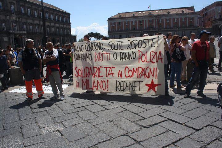 Napoli - solidarietà studenti Milano